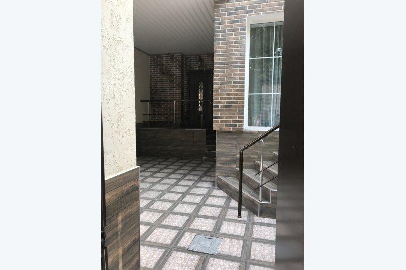 Новый дом с отдельным двором, 130 кв.м. на 8 человек, 3 спальни, улица Гагарина, 4А, Евпатория - Фотография 2