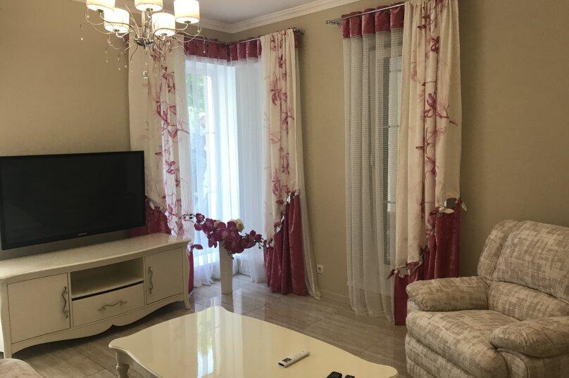 Новый дом с отдельным двором, 130 кв.м. на 8 человек, 3 спальни, улица Гагарина, 4А, Евпатория - Фотография 5