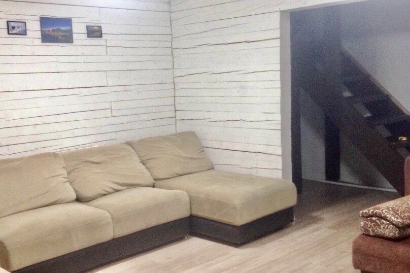Дом вместимостью до 8 человек, 65 кв.м. на 8 человек, 2 спальни, Вторая Дачная , 558А, Шерегеш - Фотография 1