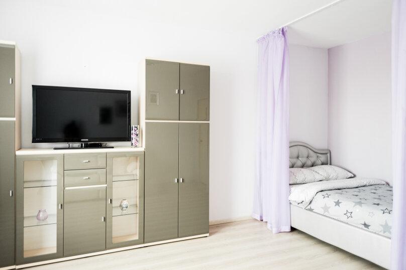 2-комн. квартира, 70 кв.м. на 8 человек, улица Репина, 52, Екатеринбург - Фотография 7