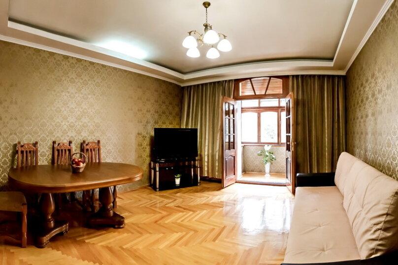 2-комн. квартира, 60 кв.м. на 4 человека, улица Куйбышева, 4, Кисловодск - Фотография 2
