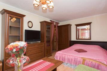 1-комн. квартира, 33 кв.м. на 4 человека, улица Шейнкмана, 45, Площадь 1905 года, Екатеринбург - Фотография 1