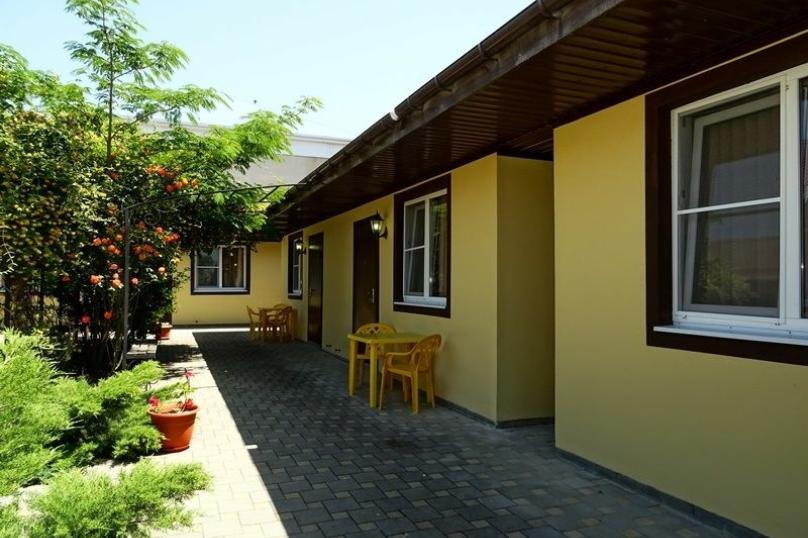 Двух комнатный, улица Казачий Стан, 9, село Сукко - Фотография 1