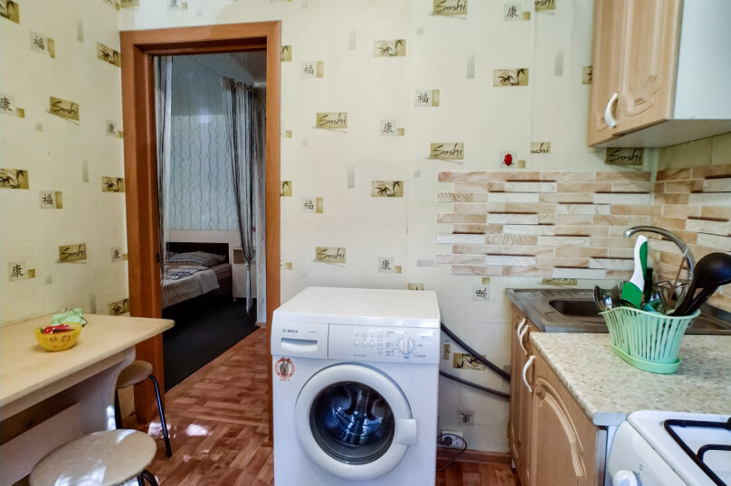 1-комн. квартира, 35 кв.м. на 4 человека, 1-я Красноармейская улица, 56А, Пермь - Фотография 9