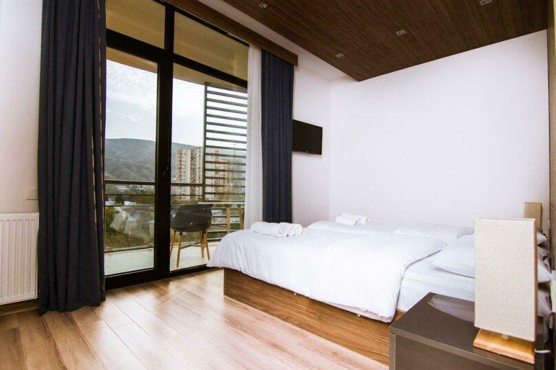 Superior Double or Twin Room with Balcony, улица Соломона Додашвили, 20, Тбилиси - Фотография 16