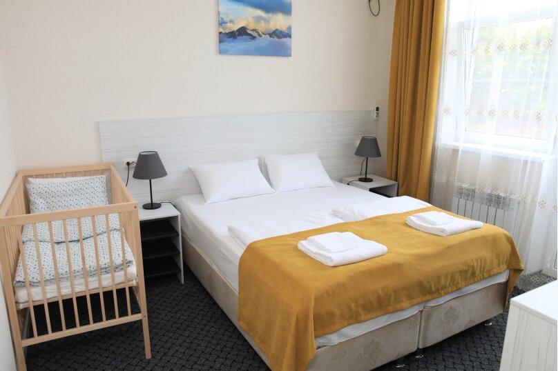 Семейный 2х комнатный номер с 1й двухспальной или 2мя односпальными кроватями и диваном с частичным видом на море, Штурманский переулок, 27, Головинка - Фотография 1