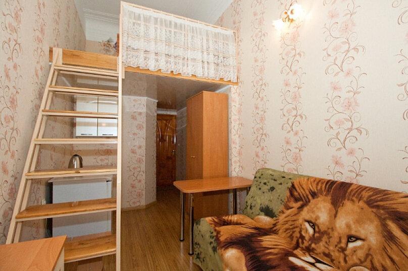 Номер двухуровневый на 4 человека на Кирова, Караимская улица, 56А, Евпатория - Фотография 1