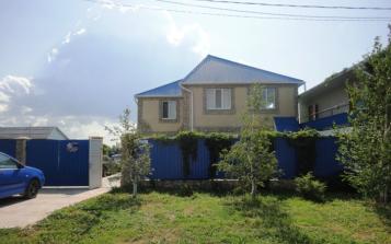 Уютный гостевой домик, переулок Самбурова, 19 на 15 комнат - Фотография 1