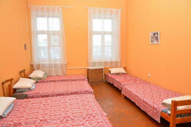 Кровать в общем 6-местном номере ( Женский и Мужской), набережная Обводного канала, 223к1, Санкт-Петербург - Фотография 1