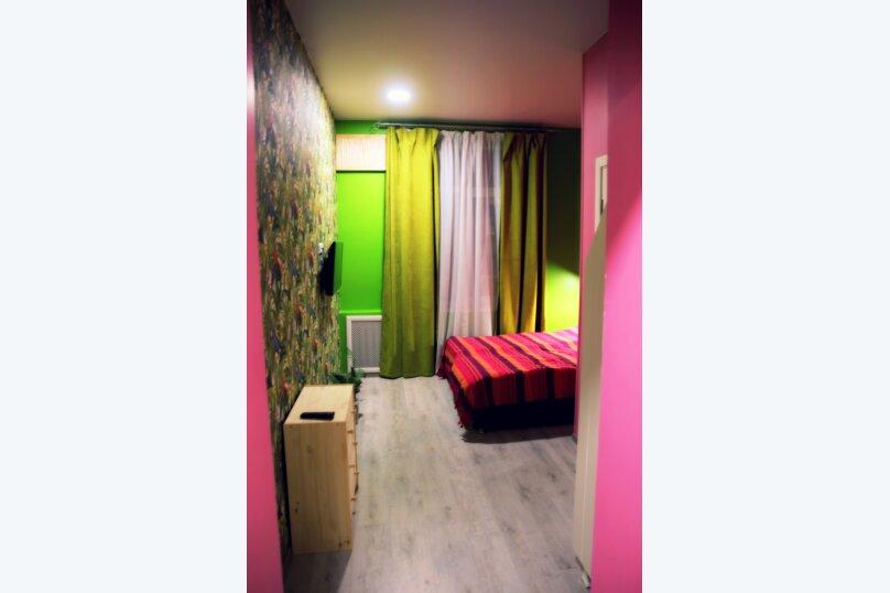 """Двухместный номер """"Розовый фламинго"""", улица имени Калинина, 468, Краснодар - Фотография 1"""