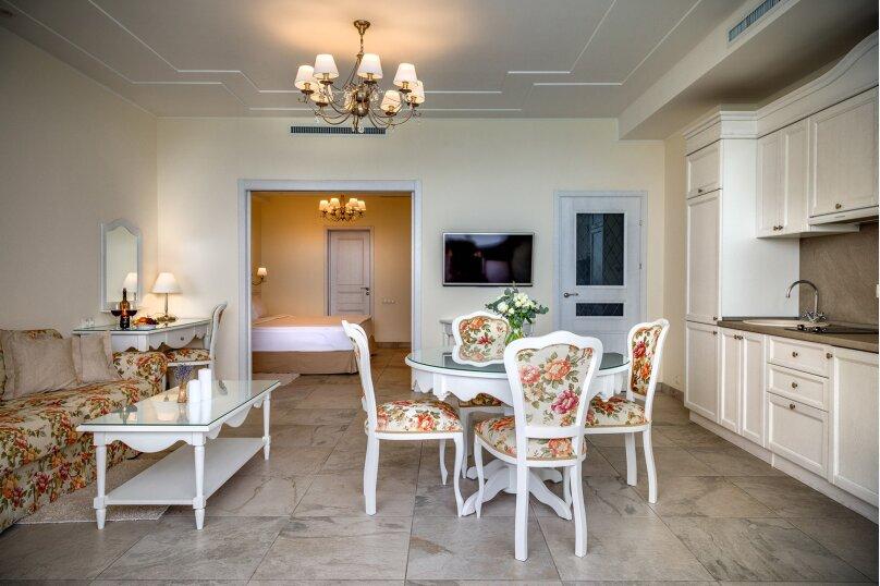 2-комнатный 2-местный номер категории «Люкс Премиум» , Алупкинское шоссе, 12А, Ялта - Фотография 1
