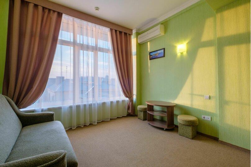 """Отель """"Феодосия"""", Пушкина, 11 на 75 номеров - Фотография 24"""