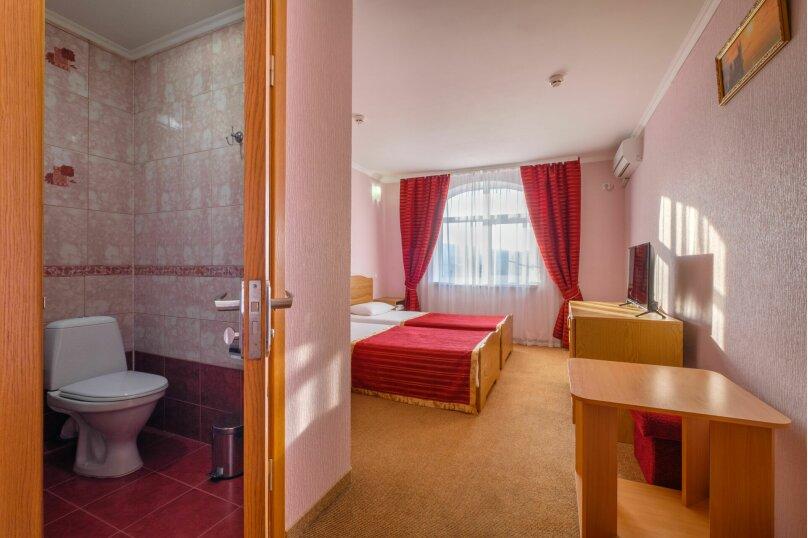 """Отель """"Феодосия"""", Пушкина, 11 на 75 номеров - Фотография 46"""