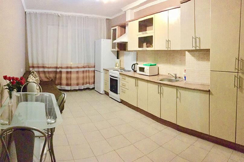 1-комн. квартира, 62 кв.м. на 4 человека, Красноармейская улица, 100, Брянск - Фотография 2