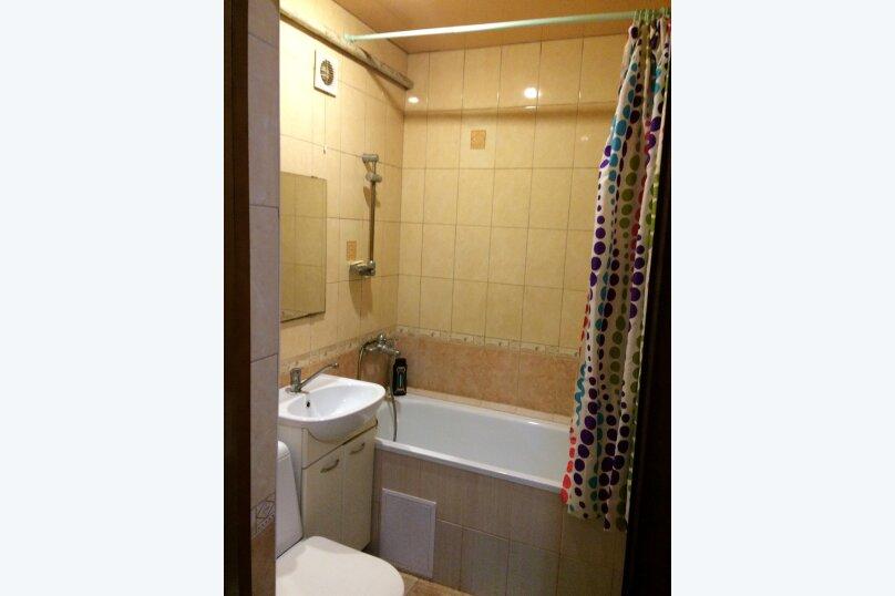 2-комн. квартира, 45 кв.м. на 6 человек, улица Фрунзе, 25, Краснодар - Фотография 11