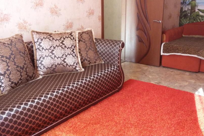 1-комн. квартира, 40 кв.м. на 4 человека, улица Ровио, 21, Петрозаводск - Фотография 1