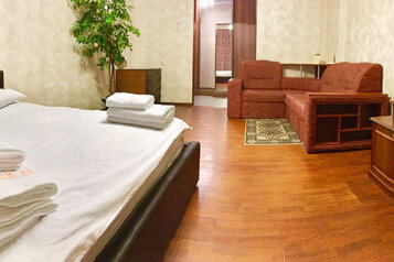 1-комн. квартира, 62 кв.м. на 4 человека, Красноармейская улица, 100, Брянск - Фотография 1