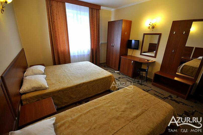 Гостиница 1028255, Советская улица, 33А на 20 комнат - Фотография 8