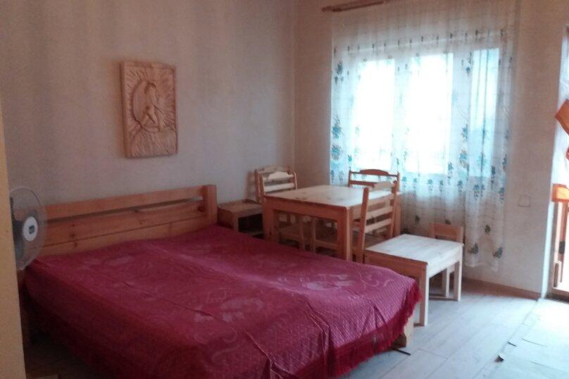 """Гостевой дом  """"Три богатыря"""", Морская улица, 18 на 1 комнату - Фотография 2"""