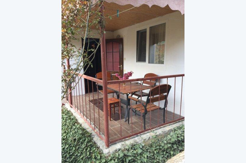 Трехкомнатный дом в саду на 5-7 человек со всеми удобствами., 58 кв.м. на 7 человек, 2 спальни, Мартынова, 31, Морское - Фотография 2