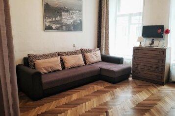 1-комн. квартира, 44 кв.м. на 4 человека, улица Восстания, 37-39, Санкт-Петербург - Фотография 1