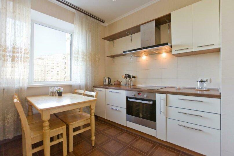 3-комн. квартира, 100 кв.м. на 12 человек, Коломяжский проспект, 26, Санкт-Петербург - Фотография 13