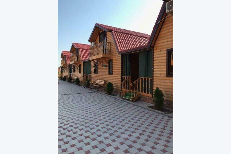 Дом трехкомнатный , ул. Прибрежная, 75, Голубицкая - Фотография 1