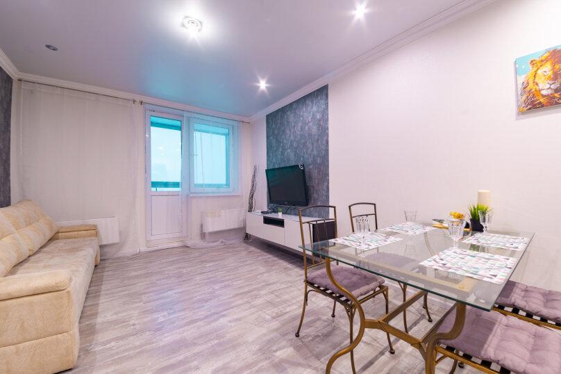 2-комн. квартира, 54 кв.м. на 4 человека, улица Адоратского, 1Б, Казань - Фотография 15