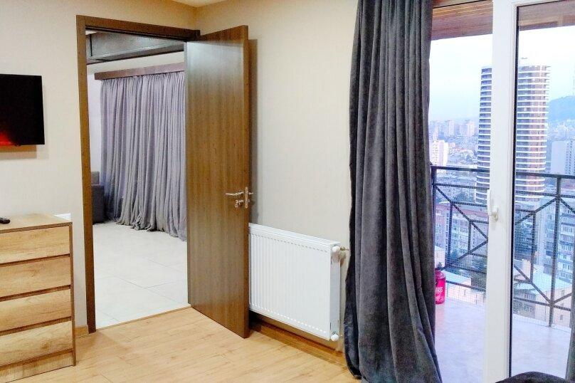 2-комн. квартира, 60 кв.м. на 4 человека, улица Шалва Нуцубидзе, 75А, Тбилиси - Фотография 9