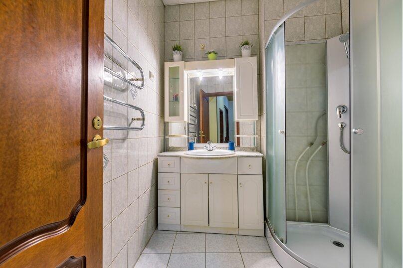 3-комн. квартира, 120 кв.м. на 8 человек, Невский проспект, 18, Санкт-Петербург - Фотография 33