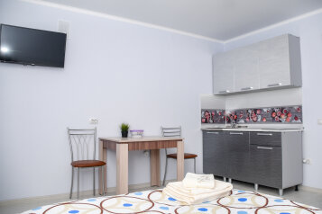 1-комн. квартира, 30 кв.м. на 2 человека, 7 микрорайон, 37, Тобольск - Фотография 1