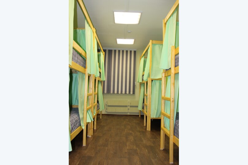 Общая мужская комната на 8 спальных мест, улица Инессы Арманд, 8/17, Москва - Фотография 1