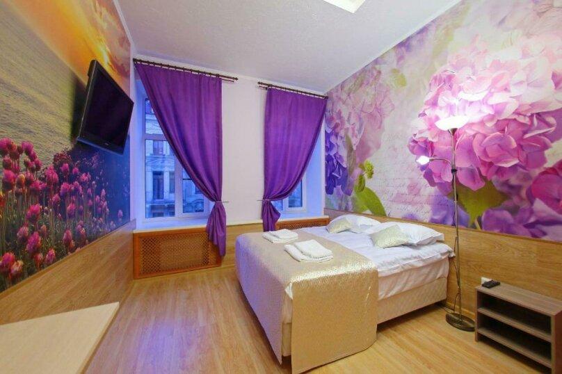 Cемейный номер с собственной ванной комнатой, Пушкинская улица, 9, Санкт-Петербург - Фотография 1