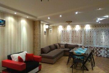 2-комн. квартира, 100 кв.м. на 5 человек, Чатырдагская улица, 1А, Алушта - Фотография 1
