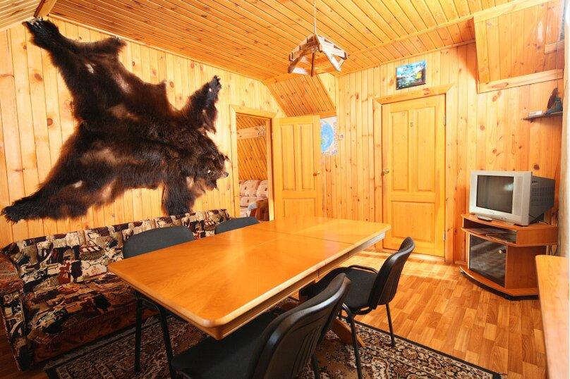 Апартаменты с 2 спальнями, улица Куликова, 44, Листвянка - Фотография 1
