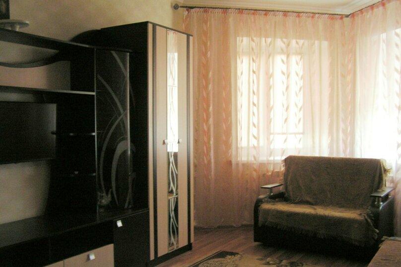1-комн. квартира, 46 кв.м. на 3 человека, улица Дзержинского, 10, Белгород - Фотография 2