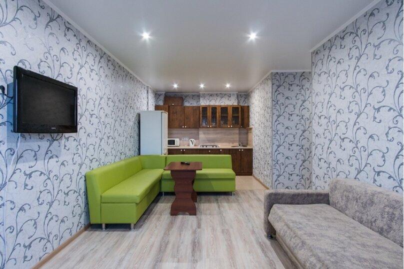 2-комн. квартира, 45 кв.м. на 4 человека, проспект Строителей, 18, Барнаул - Фотография 2