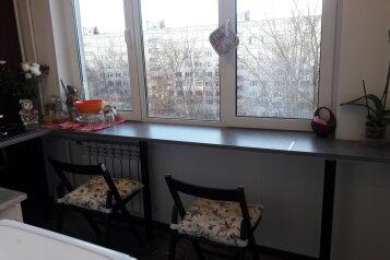 2-комн. квартира, 55 кв.м. на 6 человек, Купчинская улица, 22к1, Санкт-Петербург - Фотография 1