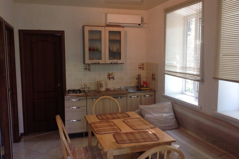Дом, 100 кв.м. на 5 человек, 2 спальни, Долинный переулок, 7А, Коктебель - Фотография 11