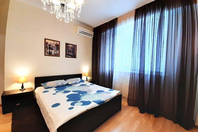 2-комн. квартира, 75 кв.м. на 4 человека, улица Павла Дыбенко, 24, Севастополь - Фотография 1