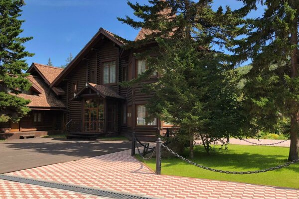 Дом, 300 кв.м. на 6 человек, 5 спален, улица Куликова, 98Г, Листвянка - Фотография 1