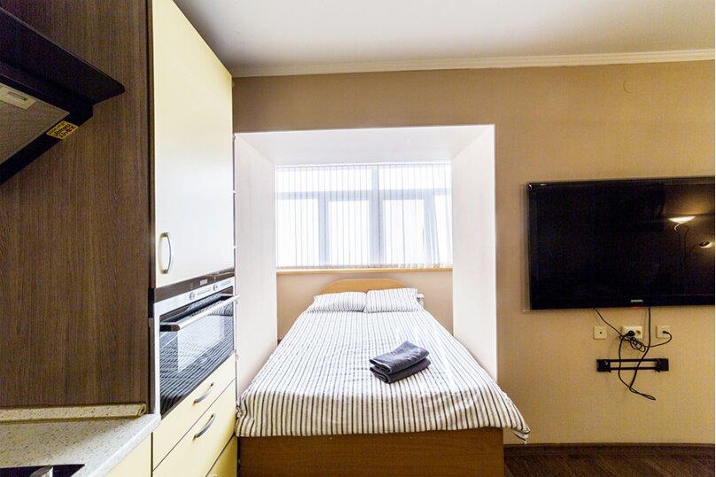 1-комн. квартира, 56 кв.м. на 5 человек, улица Хади Такташа, 41, Казань - Фотография 6