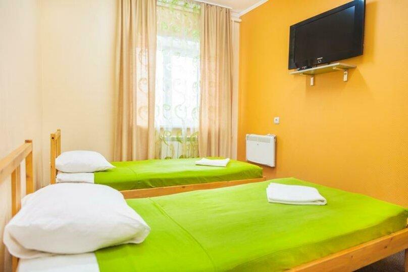 Двухместный стандарт с раздельными кроватями, проспект Карла Маркса, 84А, Омск - Фотография 1