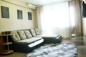 4-комн. квартира, 75 кв.м. на 7 человек, Красноармейская улица, 176, Бийск - Фотография 1