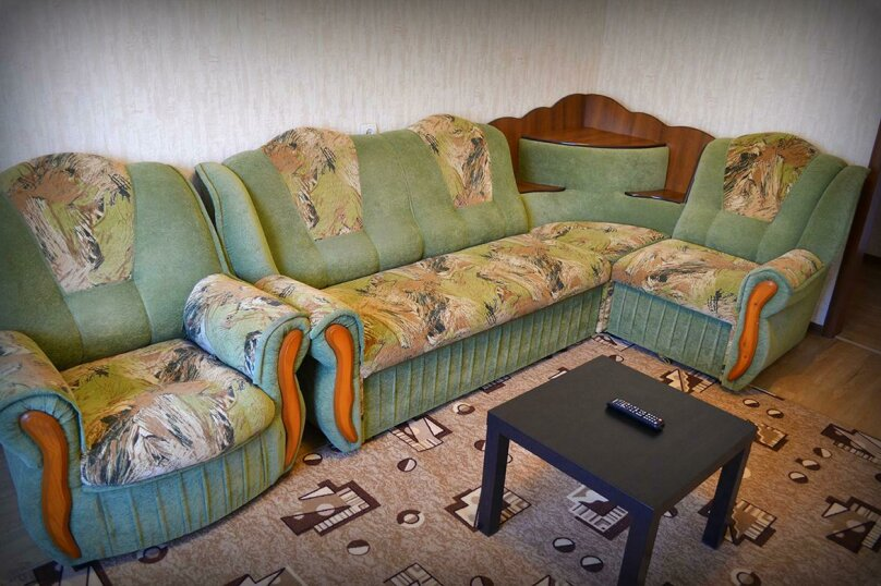 2-комн. квартира на 6 человек, улица Ильи Мухачева, 258, Бийск - Фотография 3