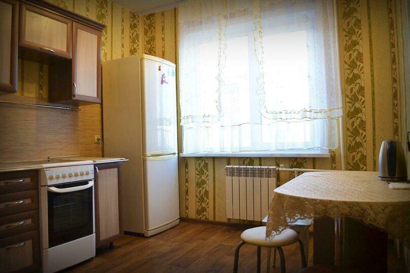 2-комн. квартира на 6 человек, улица Ильи Мухачева, 258, Бийск - Фотография 6
