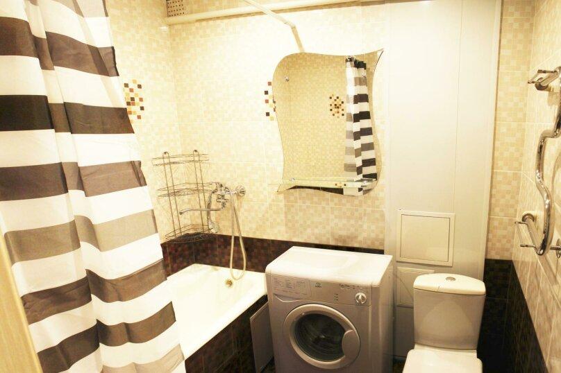 2-комн. квартира на 6 человек, улица Ильи Мухачева, 133, Бийск - Фотография 8