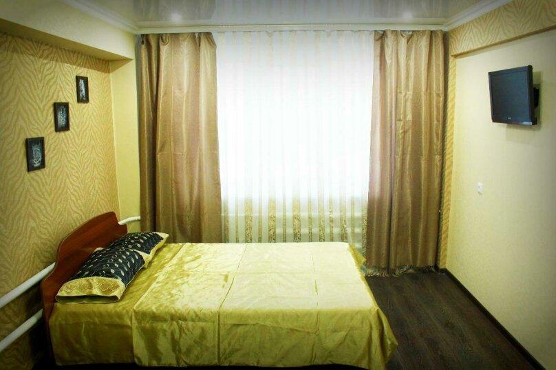 1-комн. квартира на 4 человека, улица Петра Мерлина, 20, Бийск - Фотография 5