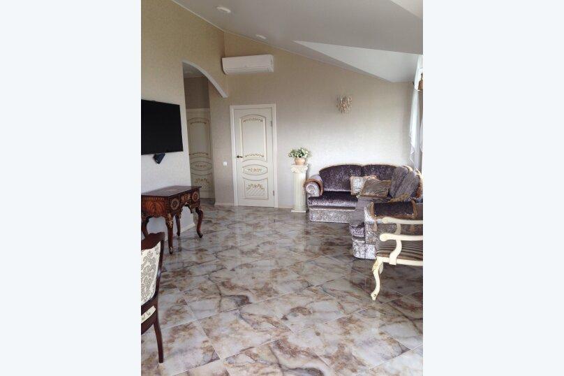 Верхний этаж дома с панорамным видом на море и отдельным входом, 133 кв.м. на 6 человек, 2 спальни, Севастопольское шоссе, 54 Е, Гаспра - Фотография 1
