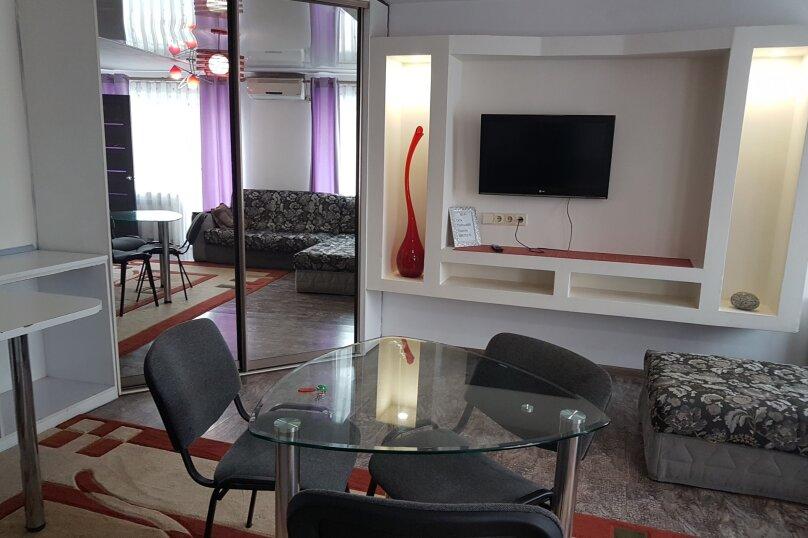 2-комн. квартира, 42 кв.м. на 2 человека, проспект 100-летия Владивостока, 45, Владивосток - Фотография 3